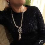 Les deux colliers de perles de sylvie réunis en un sautoir