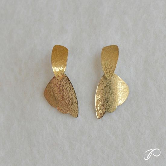 Boucles pendantes courtes ELLES en or et argent