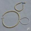 Les perles de culture de Marta : une variation du collier Cambrure et un bracelet simple monté sur soie