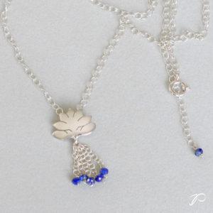 Pendentif Lotus et lapis-lazuli